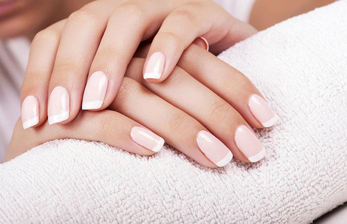 Piękne paznokietki, czyli jak dbać o paznokcie