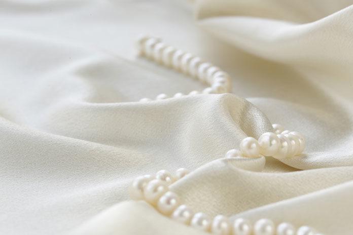 Biżuteria z pereł – ponadczasowy atrybut kobiecości
