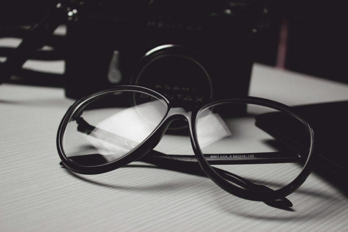 Jak dobrać okulary korekcyjne do twarzy?