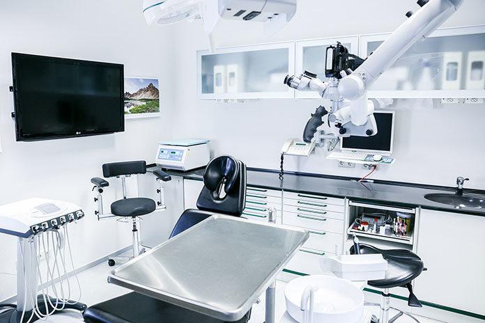 Skuteczne leczenie zębów pod mikroskopem